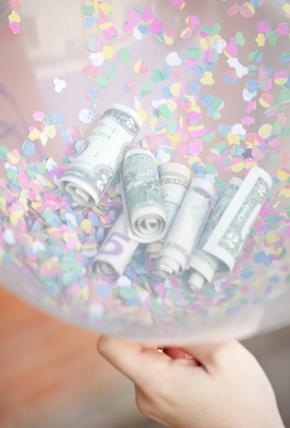 pinigai-balione