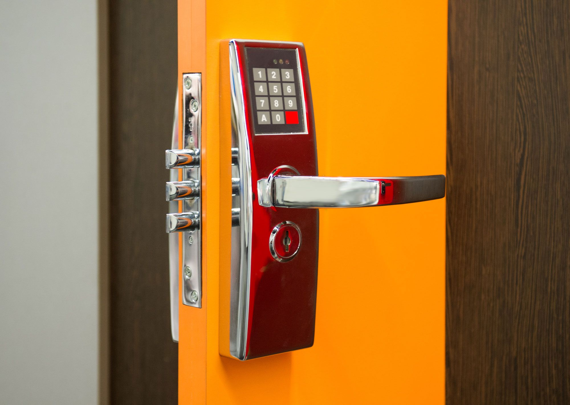 silto-ir-saugios-lauko-durys