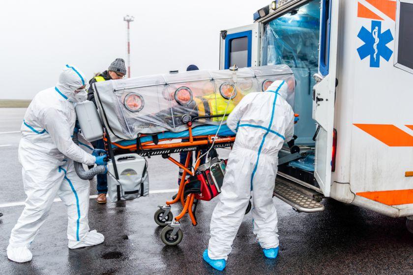14 institucijų pratybų metu stiprino įgūdžius suvaldyti itin pavojingą užkrečiamąją ligą