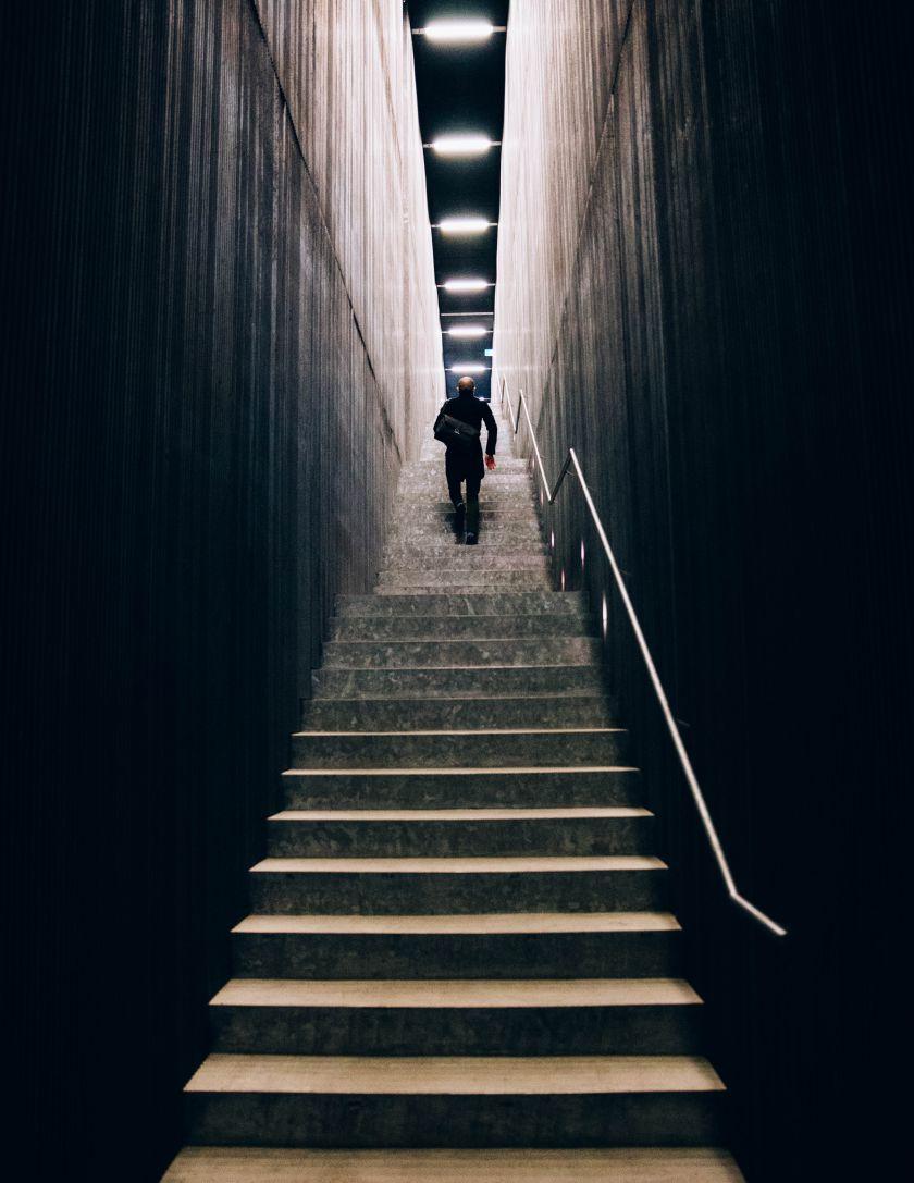 Darbo pamainomis žala ir 6 paprasti patarimai, kaip su ja kovoti