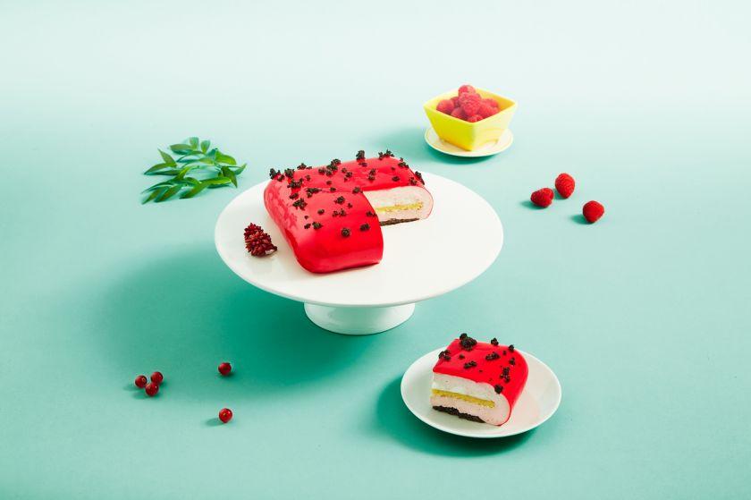 """Prancūziškiems šedevrams nenusileidžiančios """"Iki"""" konditerio T. Lauvray tortų naujienos: desertą išsirinks net išrankiausias smaližius"""